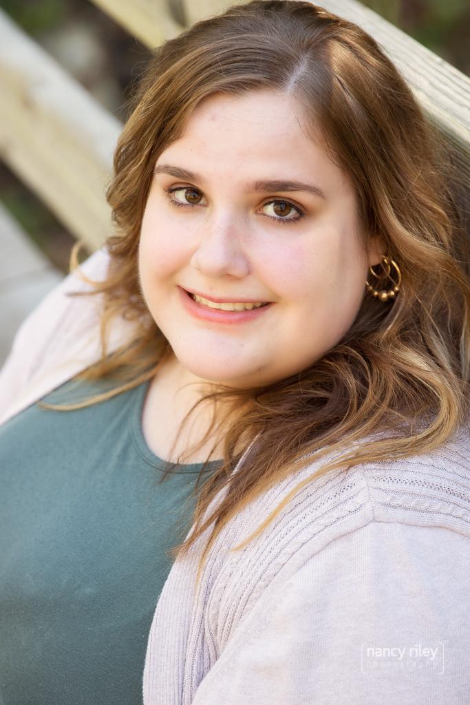Senior girl at Sharon Woods